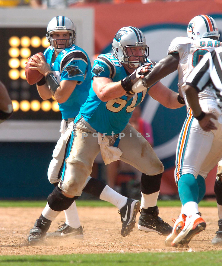 Jeff Mitchell, of the Carolina Panters, during their game against the Miami Dolphins of September 25, 2005....Dolphins win 27-24..Chris Bernacchi / SportPics