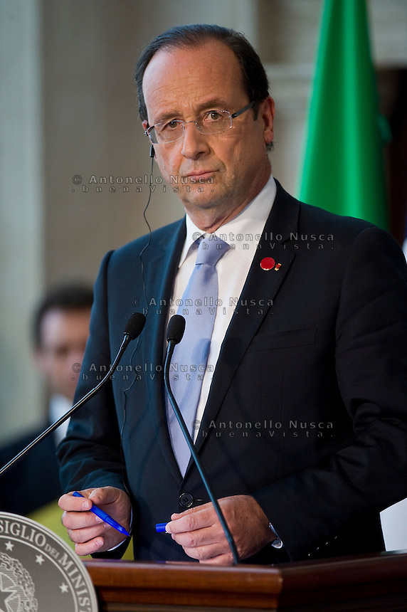 Il Presidente Francese Francois Hollande durante la conferenza stampa al termine del vertice tra Italia, Spagna, Francia e Germania a Villa Madama..French Prime Minister Francois Hollande attends a media conference at the end of a meeting with German Chancellor Angela Merkel, Italian Prime Minister Mario Monti, and Spanish Premier Mariano Rajoy at Villa Madama in Rome.