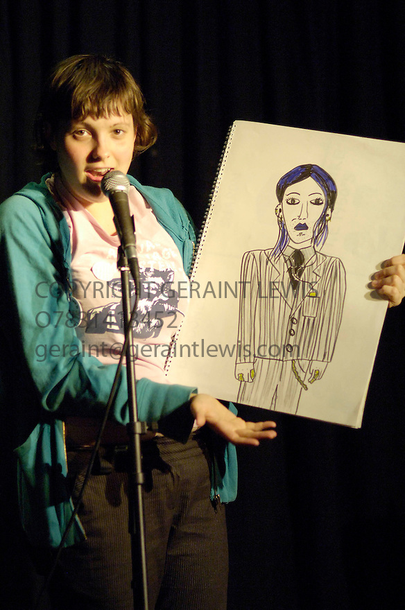 Josie Long,commediane performing at the Cafe Royal at the Edinburgh Festival 2006. CREDIT Geraint Lewis