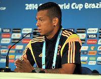 CUIABA - BRASIL -23-06-2014. Fredy Guarin jugador de la selección de fútbol de Colombia (COL) durante rueda de prensa después del último entrenamiento en el estadio Arena Pantanal de Cuiaba previo al partido del Grupo C ante Japón (JPN) como parte de la Copa Mundial de la FIFA Brasil 2014./  Fredy Guarin (R)player of Colombia (COL) National Soccer Team during press conference after the training at Arena Pantanal stadium in Cuiaba prior of the Group C match against Japan (JPN) as part of the 2014 FIFA World Cup Brazil. Photo: VizzorImage / Alfredo Gutiérrez / Contribuidor