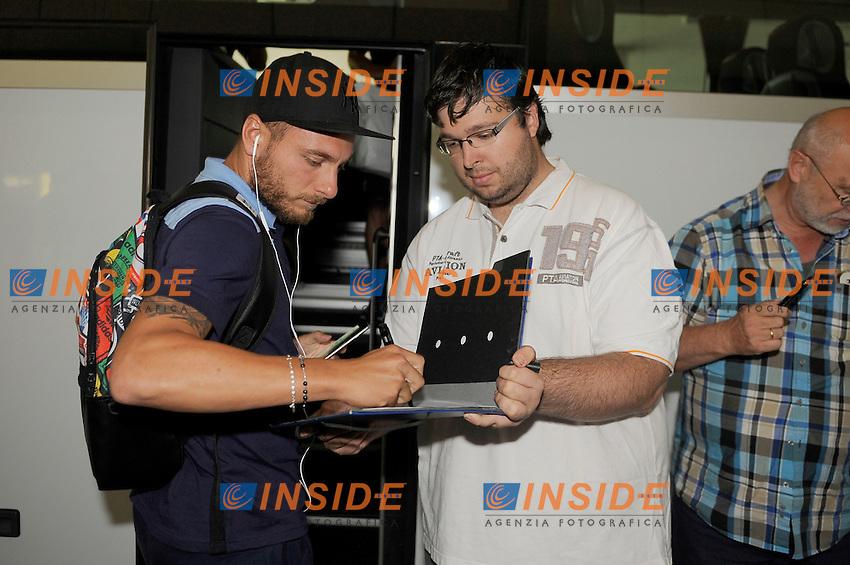 Ciro Immobile<br /> 05-08-2016 Dortmund<br /> Arrivo della Lazio all'aereoporto di Dorthmund per la seconda fase di preparazione<br /> SS Lazio traning day<br /> @ Marco Rosi / Fotonotizia / Insidefoto