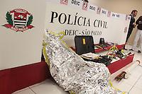 SÃO PAULO,SP,08.05.2015 CRIME-SP - Material apreendido com a quadrilha de roubo a caixas eletrônicos no aeroporto de Guarulhose apresentado no DEIC na região norte da cidade de São Paulo nesta sexta-feira, 08. (Foto Marcio Ribeiro / Brazil Photo Press)