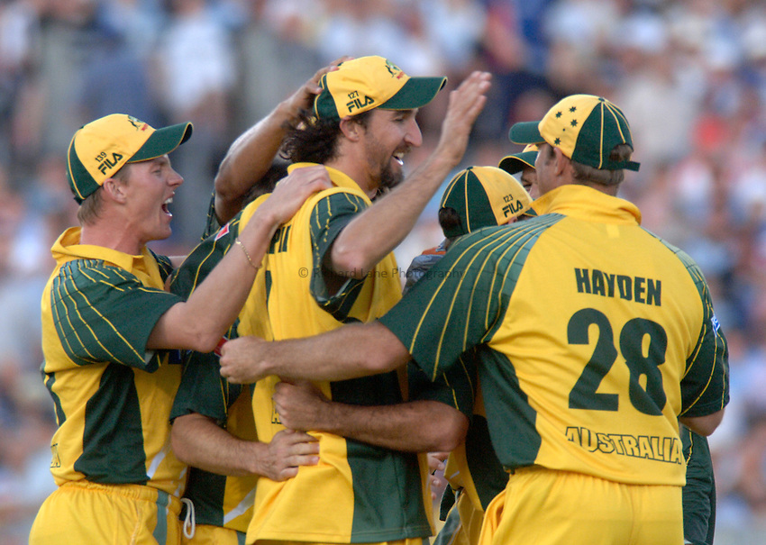 Photo: Glyn Thomas..England v Australia..Natwest Series. 23/06/2005...Australia's players congratulate Jason Gillespie (C) on taking a catch.