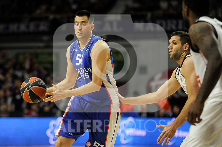 Real Madrid´s Felipe Reyes and Anadolu Efes´s Milko Bjelica during 2014-15 Euroleague Basketball Playoffs match between Real Madrid and Anadolu Efes at Palacio de los Deportes stadium in Madrid, Spain. April 15, 2015. (ALTERPHOTOS/Luis Fernandez)