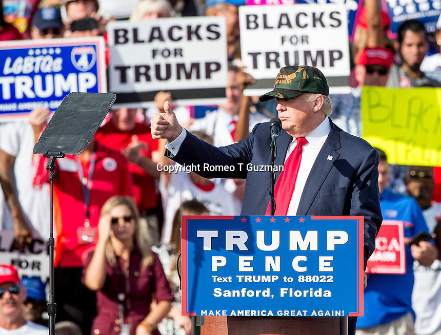October 25, 2016 - Sanford, FL, U.S: Republican presidential nominee Donald Trump speaks to a crowd at Orlando Sanford International Airport Million Air Hanger in Sanford, Fl.  Romeo T Guzman/CSM