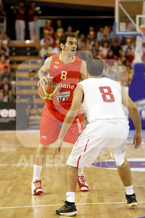 Spain´s Calderon and Tunisia´s Kechrid during friendly match Spain vs Tunisia.July 14,2012.(ALTERPHOTOS/ARNEDO)