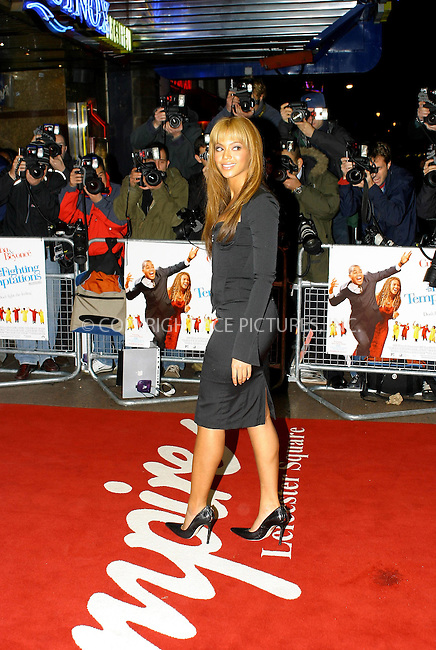 Beyonce Knowles at the UK premiere of The Fighting Temptations. Empire Leicester Square, London, 12 November 2003. ..FAMOUS .PICTURES AND FEATURES AGENCY .tel +44 (0) 20 7731 9333 .fax +44 (0) 20 7731 9330 .e-mail info@famous.uk.com .www.famous.uk.com .FAM12092