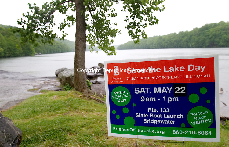 BRIDGEWATER, CT. 18 May 2010-051810SV05--Friends of the Lake is launching new high-tech efforts to collect water quality data on Lake Lillinonah in Bridgewater Tuesday. They have been fighting algae blooms for years that have plagued the state's second-largest lake, created in 1955 for hydroelectric power. A major cleanup is also scheduled for Saturday. <br /> Steven Valenti Republican-American