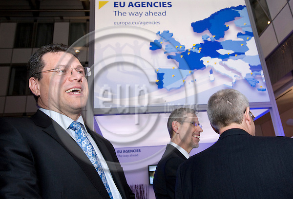 BRUSSELS - BELGIUM - 01 FEBRUARY 2011 -- EU Agencies ? the way ahead, Exhibition at the European Parliament. -- EU Commissioner Maro? ?ef?ovi? (Maros Sefcovic), Vice-President for Inter-institutional Relations and Administration, Jukka Takala Agency Director of EU-OSHA.  -- PHOTO: Juha ROININEN / EUP-Images
