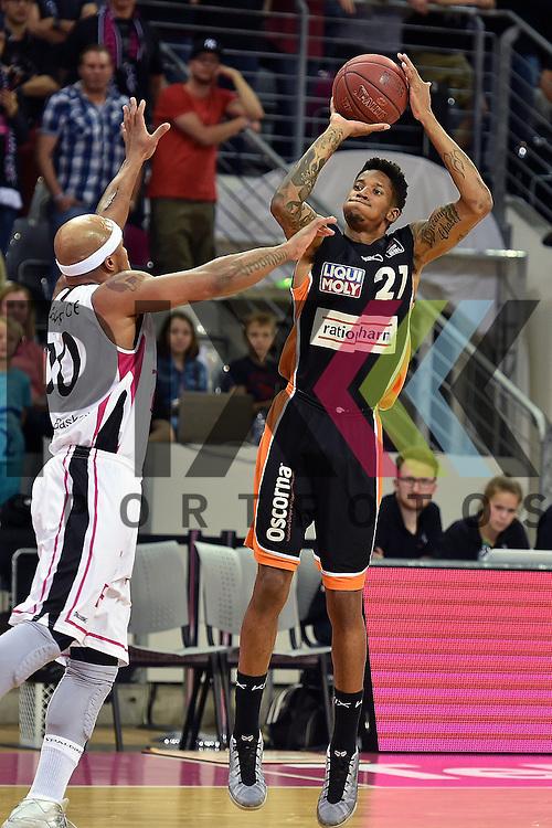 Am Ball Ulms Nr21 Will Clyburn im Spiel Telekom Baskets Bonn - ratiopharm Ulm.<br /> <br /> Foto &copy; P-I-X.org *** Foto ist honorarpflichtig! *** Auf Anfrage in hoeherer Qualitaet/Aufloesung Belegexemplar erbeten Veroeffentlichung ausschliesslich fuer journalistisch-publizistische Zwecke For editorial use only