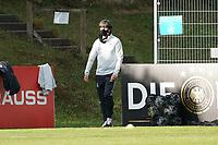 Bundestrainer Joachim Loew (Deutschland Germany) steigt aus dem Bus und kommt zum Trainjng - 31.08.2020: Erstes Training der Deutschen Nationalmannschaft vor dem Nations League gegen Spanien, ADM Sportpark Stuttgart