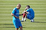 Nederland,Katwijk, 6 september 2012.seizoen 2012/2013.Het Nederlands elftal traint bij Quick boys in Katwijk .Robin van Persie rust uit op een bal