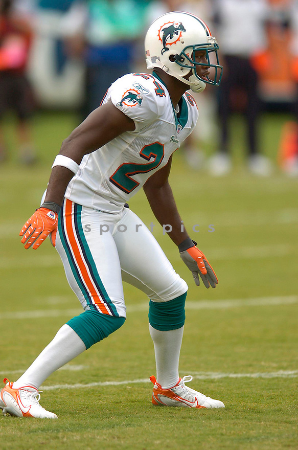 RENALDO HILL, of the  Miami Dolphins , during the Dolphins game against the Dallas Cowboys on September 16, 2007.  The Dallas Cowboys beat the Miami Dolphins 37-10....