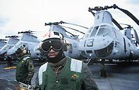 - US Marines transport helicopters CH 46 on the amphibious assault ship Wasp....- elicotteri da trasporto degli US Marines CH 46 a bordo della nave da assalto anfibio Wasp