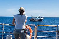 """Sea Watch-2.<br /> Die Sea Watch-2 ist zu ihrer 13. SAR-Mission vor der libyschen Kueste.<br /> Im Bild: Ein libysches Fischerboot an der 24 Meilenzone hat um medizinische Hilfe gebeten. Der Sea Watch-2 hat Kontakt zu den Fischern aufgenommen. Die in der Naehe befindliche """"Bourbon Argus"""" der Hilfsorganistion """"Mediziner ohne Grenzen"""" (MSF) uebernimmt die medizinische Hilfe, da es dort eine arabisch sprechende Aerztin gibt.<br /> 19.10.2016, Mediterranean Sea<br /> Copyright: Christian-Ditsch.de<br /> [Inhaltsveraendernde Manipulation des Fotos nur nach ausdruecklicher Genehmigung des Fotografen. Vereinbarungen ueber Abtretung von Persoenlichkeitsrechten/Model Release der abgebildeten Person/Personen liegen nicht vor. NO MODEL RELEASE! Nur fuer Redaktionelle Zwecke. Don't publish without copyright Christian-Ditsch.de, Veroeffentlichung nur mit Fotografennennung, sowie gegen Honorar, MwSt. und Beleg. Konto: I N G - D i B a, IBAN DE58500105175400192269, BIC INGDDEFFXXX, Kontakt: post@christian-ditsch.de<br /> Bei der Bearbeitung der Dateiinformationen darf die Urheberkennzeichnung in den EXIF- und  IPTC-Daten nicht entfernt werden, diese sind in digitalen Medien nach §95c UrhG rechtlich geschuetzt. Der Urhebervermerk wird gemaess §13 UrhG verlangt.]"""