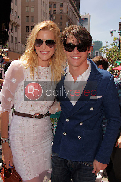 Anna Gunn, RJ Mitte<br />