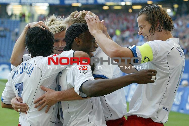 Bundesliga 2004/2005 -  Hamburger SV <br /> <br /> Hamburger SV vs 1.FC Nuernberg (NŁrnberg)<br /> <br /> <br /> <br /> Emile Mpenza schiesst das 3-1 fuer Hamburg und jubelt mit Daniel Van Buyten, Raphael Wicky, Christian Rahn und Mehdi Mahdavikia.<br /> <br /> <br /> <br /> Foto &copy; nordphoto - Anja Heinemann<br /> <br /> <br /> <br /> <br /> <br /> <br /> <br />  *** Local Caption *** Foto ist honorarpflichtig! zzgl. gesetzl. MwSt.<br /> <br /> <br /> <br /> Belegexemplar erforderlich<br /> <br /> <br /> <br /> Adresse: nordphoto<br /> <br /> <br /> <br /> Georg-Reinke-Strasse 1<br /> <br /> <br /> <br /> 49377 Vechta