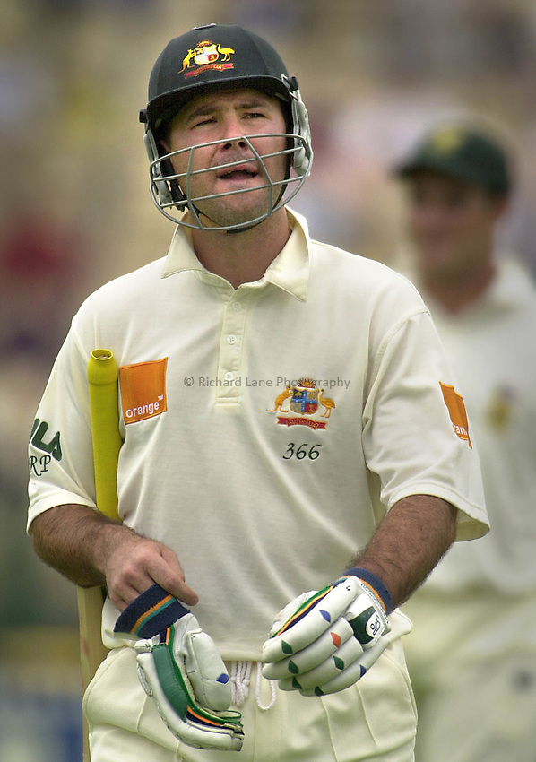 Picture : Jack Atley.1ST TEST CRICKET MATCH BETWEEN AUSTRALIA AND SOUTH AFRICA, ADELAIDE OVAL, ADELAIDE, AUSTRALIA: Aussie batsmen RICKY PONTING leaves the field after being run-out for 54 runs. PONTING also sustained a minor back strain.