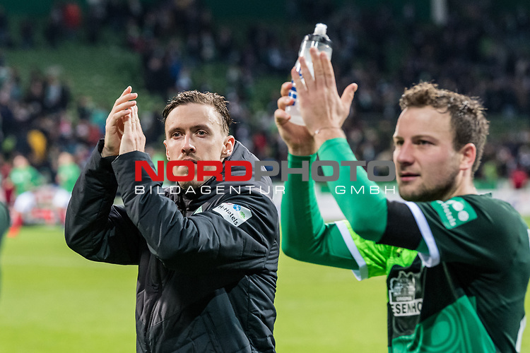 10.02.2019, Weserstadion, Bremen, GER, 1.FBL, Werder Bremen vs FC Augsburg<br /> <br /> DFL REGULATIONS PROHIBIT ANY USE OF PHOTOGRAPHS AS IMAGE SEQUENCES AND/OR QUASI-VIDEO.<br /> <br /> im Bild / picture shows<br /> Max Kruse (Werder Bremen #10), Philipp Bargfrede (Werder Bremen #44) nach Spielende, <br /> <br /> Foto &copy; nordphoto / Ewert
