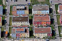 Hochschulstadtteil: EUROPA, DEUTSCHLAND, SCHLESWIG- HOLSTEIN, LUEBECK (GERMANY), 15.05.2008: Reihenhaus im Hochschulstadtteil,  Johannes Baltzer Strasse, Luebeck, Schleswig Holstein,  Wohnen, Haus, Siedlung, Kiez,  Reihe, Kauf, guenstig, bunt, Luftbild, Luftaufnahme, Luftansicht.c o p y r i g h t : A U F W I N D - L U F T B I L D E R . de.G e r t r u d - B a e u m e r - S t i e g 1 0 2, 2 1 0 3 5 H a m b u r g , G e r m a n y P h o n e + 4 9 (0) 1 7 1 - 6 8 6 6 0 6 9 E m a i l H w e i 1 @ a o l . c o m w w w . a u f w i n d - l u f t b i l d e r . d e.K o n t o : P o s t b a n k H a m b u r g .B l z : 2 0 0 1 0 0 2 0  K o n t o : 5 8 3 6 5 7 2 0 9.C o p y r i g h t n u r f u e r j o u r n a l i s t i s c h Z w e c k e, keine P e r s o e n l i c h ke i t s r e c h t e v o r h a n d e n, V e r o e f f e n t l i c h u n g n u r m i t H o n o r a r n a c h M F M, N a m e n s n e n n u n g u n d B e l e g e x e m p l a r !.