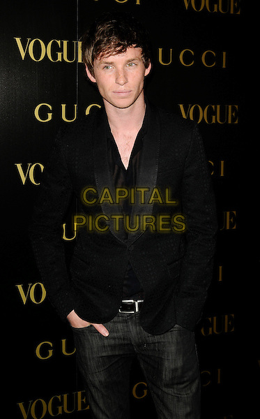 EDDIE REDMAYNE .A dinner in honour of Frida Gianni, Creative Director of Gucci, hosted by Alexandra Shulmanand at the Saatchi Gallery, Duke of York's Headquarters, King's Road, Chelsea, London, England..April 1st, 2009 .Vogue half length black suit jacket .CAP/CAN.©Can Nguyen/Capital Pictures.