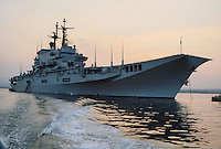 - Italian Navy, Garibaldi aircraft carrier ....- Marina militare italiana, portaerei Garibaldi