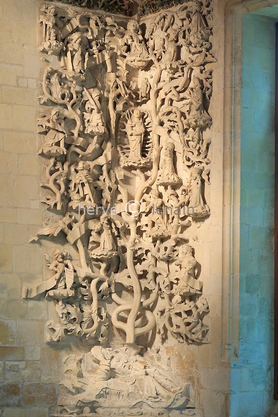 France, Indre (36), Issoudun, Le musée de l'Hospice Saint-Roch, arbre de Jessé du XVe siècle dans la chapelle, celui de droite est l'arbre des rois de Juda France, Indre, Issoudun, Museum of the Hospice Saint Roch, Tree of Jesse in the chapel