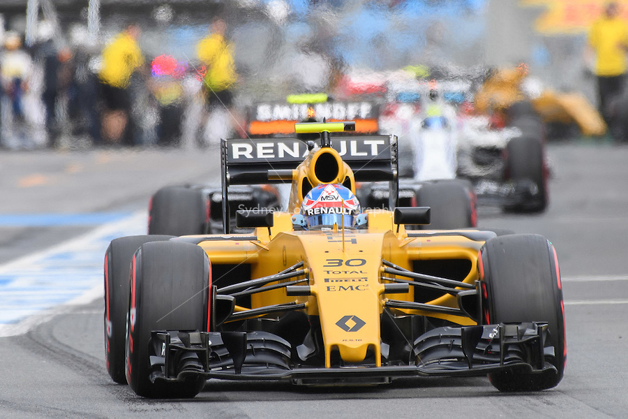 March 19, 2016: Jolyon Palmer (GBR) #30 from the Renault Sport F1 team leaving the pits for qualifying at the 2016 Australian Formula One Grand Prix at Albert Park, Melbourne, Australia. Photo Sydney Low