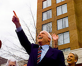 United States Senator John McCain (Republican of Arizona) campaigns outside his presidential campaign headquarters in Alexandria, Virginia on February 27, 2000.  His wife Cindy can be seen over his right shoulder..Credit: Ron Sachs / CNP