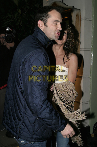 JOHNNY VAUGHAN & GIRLFRIEND LISE.At Kelly Hoppen Book Launch party, Cheyne Walk Brasserie, Cheyne Walk, London, 10th November 2004..half length partner Vaughan funny face.Ref: AH.www.capitalpictures.com.sales@capitalpictures.com.©Capital Pictures.