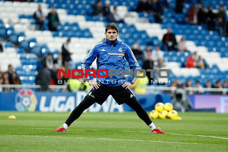 Real Madrid¬¥s goalkeeper Iker Casillas during La Liga match in Santiago Bernabeu stadium in Madrid, Spain. January 06, 2014. Foto © nph / Victor Blanco)