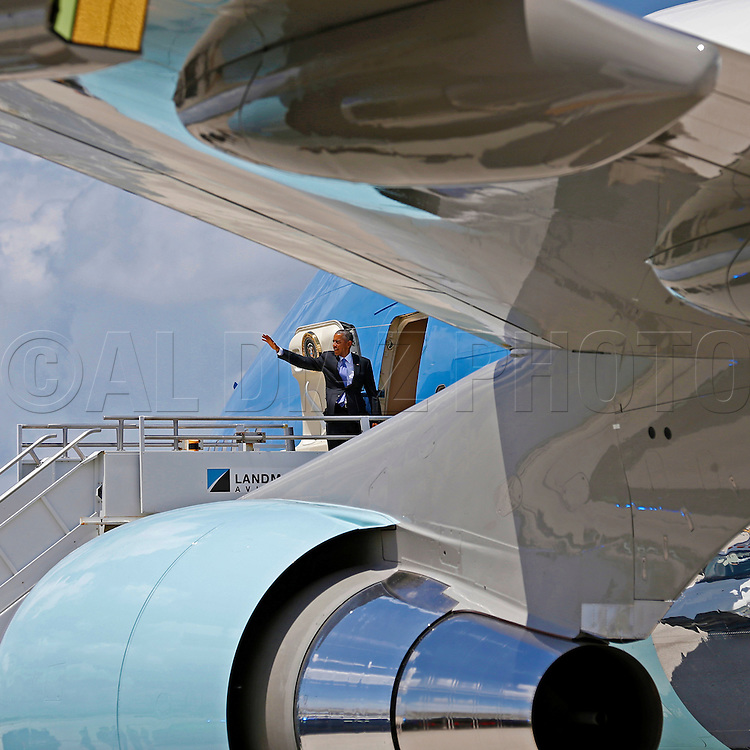 President Obama prepares to depart from Miami International Airport on Airforce One on Thursday, May 28, 2015
