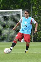 SAO PAULO, 24 DE MARCO DE 2013 - TREINO SAO PAULO - O jogador Jadson durante treino do São Paulo, no CT da Barra Funda, região oeste da capital, na manha desta segunda feira, 25. (FOTO: ALEXANDRE MOREIRA / BRAZIL PHOTO PRESS)