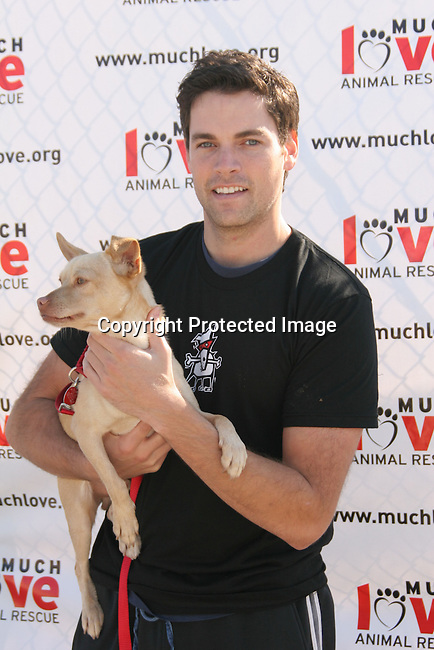 Jaron Lowenstein<br />3rd Annual Bow-Wow-Ween<br />Barrington Park<br />Los Angeles, CA, USA<br />Sunday, October 31, 2004<br />Photo By Celebrityvibe.com/Photovibe.com, <br />New York, USA, Phone 212 410 5354, <br />email: sales@celebrityvibe.com