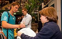 8-2-10, Rotterdam, Tennis, ABNAMROWTT, Mayer signing