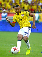BARRANQUILLA - COLOMBIA -08-10-2015: Macnelly Torres jugador de Colombia en acción durante partido entre Colombia y Bolivia por la fecha 13 de la clasificatoria a la Copa Mundial de la FIFA Rusia 2018 jugado en el estadio Metropolitano Roberto Melendez en Barranquilla. / Macnelly Torres player of Colombia in action during the match between Colombia and Bolivia for the date 13 of the qualifier to FIFA World Cup Russia 2018 played at Metropolitan stadium Roberto Melendez in Barranquilla. Photo: VizzorImage / Alfonso Cervantes / Cont
