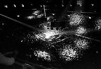 Le chanteur Claude Dubois - en spectacle a Quebec,<br /> vers 1980<br /> <br /> Photographe : Jacques Thibault<br /> Collection: Jocelyn Paquet<br /> Num&eacute;ro: 34021<br /> Historique de diffusion:- Agence Quebec Presse