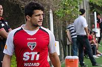 SÃO PAULO, SP, 16 DE SETEMBRO DE 2013 - TREINO SAO PAULO - O jogador Aloisio durante treino do São Paulo, no CT da Barra Funda, região oeste da capital, na tarde desta segunda feira, 16. FOTO: ALEXANDRE MOREIRA / BRAZIL PHOTO PRESS