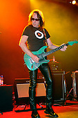 Nov 23, 2008: TODD RUNGREN - The Forum London