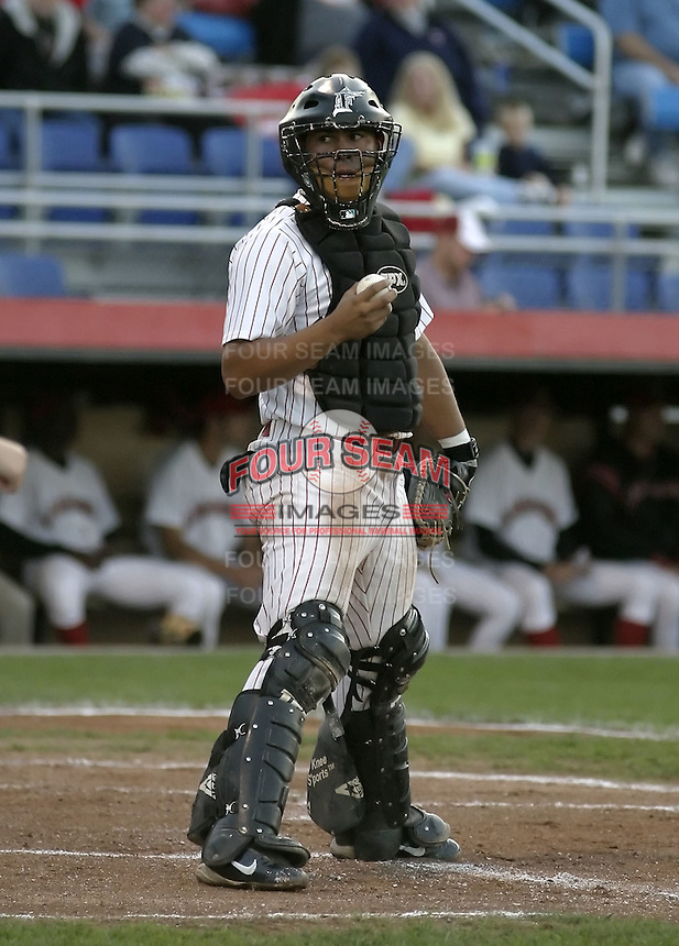 August 31, 2004:  Catcher Luis Alen of the Jamestown Jammers, Single-A NY-Penn League affiliate of the Florida Marlins, during a game at Russell Diethrick Park in Jamestown, NY.  Photo by:  Mike Janes/Four Seam Images