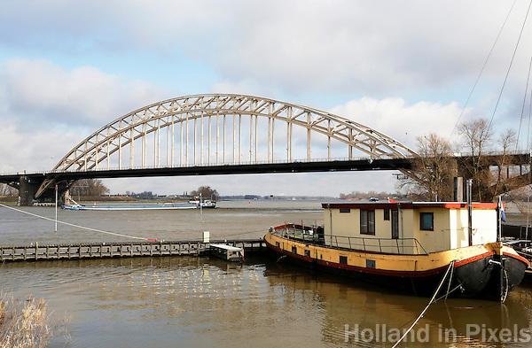 Nederland Nijmegen 2016 02 25.  De Waalbrug over de Waal bij Nijmegen.  Foto Berlinda van Dam / Hollandse Hoogte