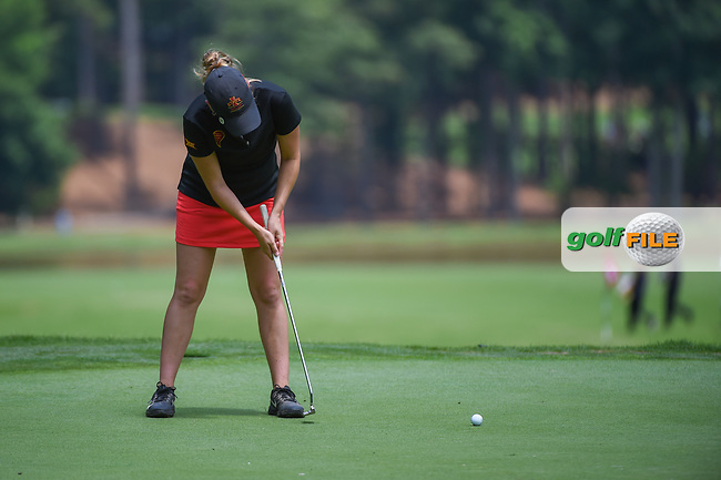 Ceilia Barquin Arozamena (a)(ESP) watches her putt on 17 during round 1 of the U.S. Women's Open Championship, Shoal Creek Country Club, at Birmingham, Alabama, USA. 5/31/2018.<br /> Picture: Golffile | Ken Murray<br /> <br /> All photo usage must carry mandatory copyright credit (© Golffile | Ken Murray)