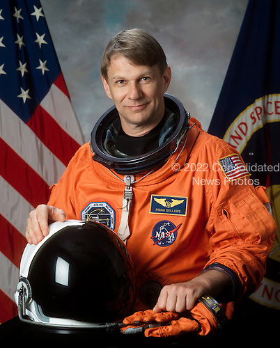 Houston, TX - March 5, 2002 -- Astronaut Piers J. Sellers, mission specialist, assigned to the crew of STS-121, a return-to-flight test mission and assembly flight to the International Space Station (ISS).  Sellers is a native of Crowborough, Sussex, United Kingdom..Credit: NASA via CNP