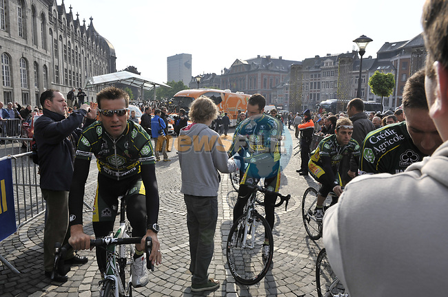 Landbouwkredit-Colnago team arrive at sign on before the start of the 95th running of Liege-Bastogne-Liege cycle race, 26th April 2009 (Photo by Eoin Clarke/NEWSFILE)