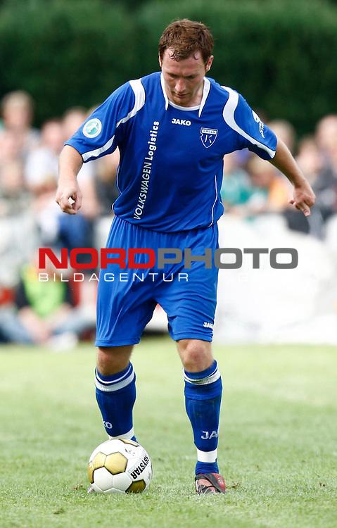 FBL  2008/2009  Testspiel<br /> Werder Bremen - Kickers Emden in Leer-Loga<br /> Nils Pfingsten (Kickers #20)<br /> <br /> Foto &copy; nph (  nordphoto  )<br /> <br /> <br /> <br />  *** Local Caption ***