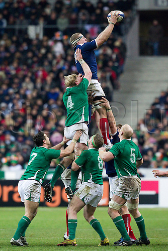 13 Februray 2010: Imanol Harinordoquy of France wins a lineout ball during the six nations match won 33-10 by France over Ireland at the Stade de France stadium in Saint-Denis, near Paris, France..Photo: Christophe Elise/ACTIONPLUS- EDITORIAL USE ONLY