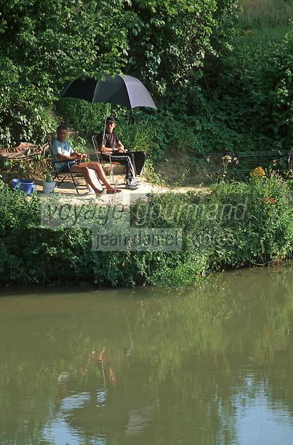 Europe/France/Champagne-Ardenne/51/Marne/Cumières: Pécheurs sur les bords de la Marne