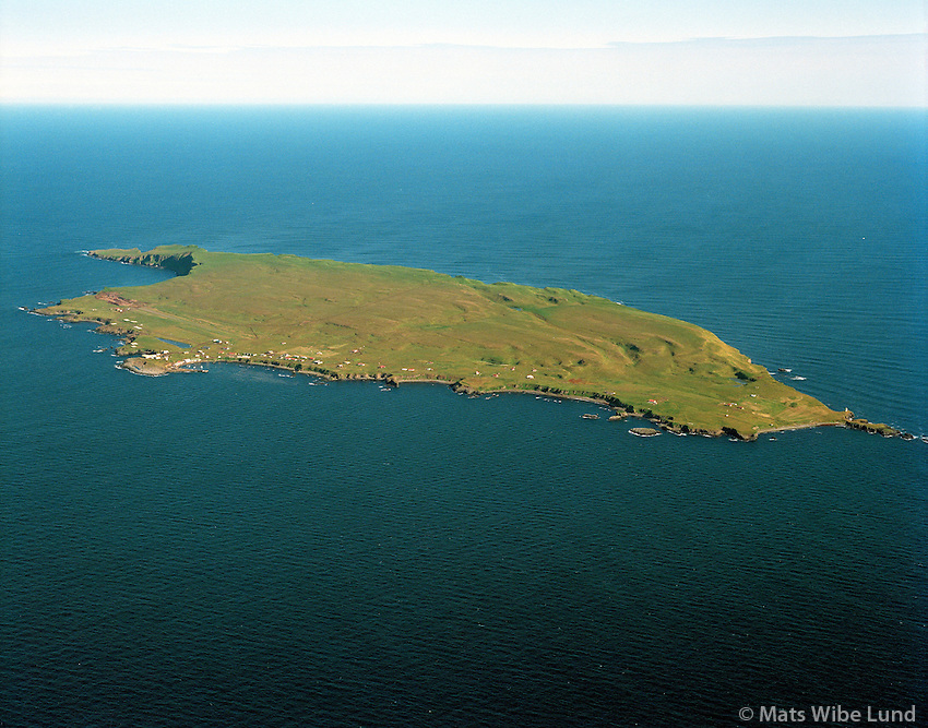 Grímsey, loftmynd til norðurs / Grimsey island, aerial viewing north.