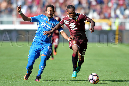 19.09.2016. Stadio Olimpico, Torino, Italy. Serie A Football. Torino versus Empoli. Joel Obi and Andres Tello fight for the ball