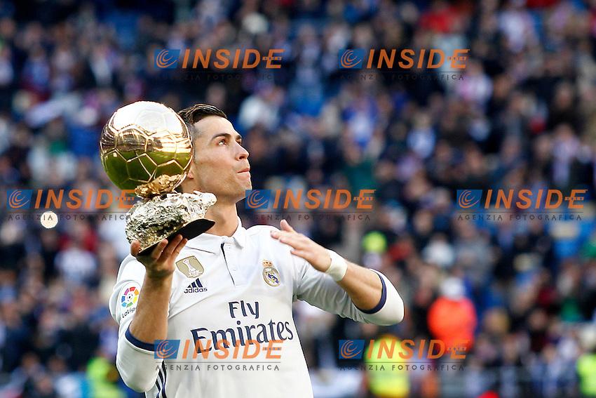 Real Madrid's Cristiano Ronaldo golden ball 2016 during La Liga match. January 7,2016. Madrid 07-01-2017 Stadio Santiago Bernabeu <br /> Real Madrid - Granada La Liga <br /> Foto Acero/Alterphotos/Insidefoto